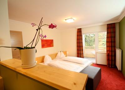 """Zimmer """"Raumwunder"""" im 3* Hotel Obermayr im Salzkammergut"""